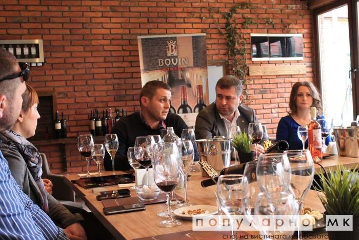 Која винарија има капацитет на шишиња еднаков на бројот на жители на Македонија?