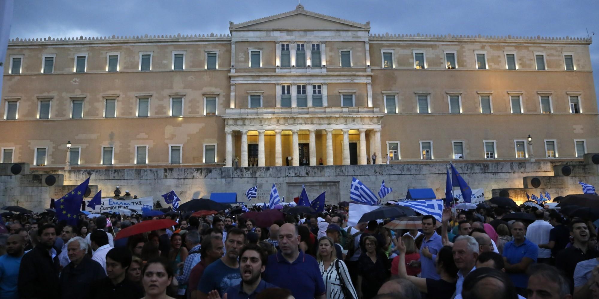 """Референдум во Грција: """"Да"""" или """"не"""" за предлогот на меѓународните кредитори"""