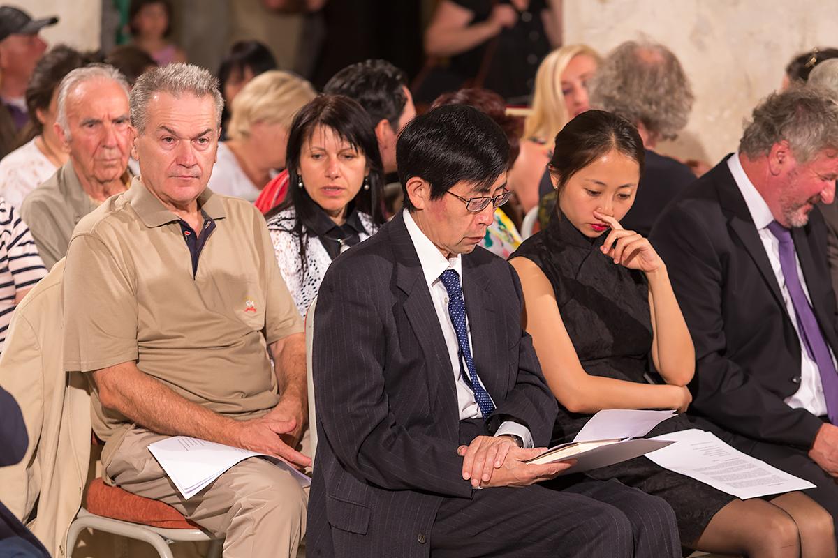 """Врачување на """"Златниот венец"""" на лауреатот Беи Дао на Струшките вечери на поезијата"""