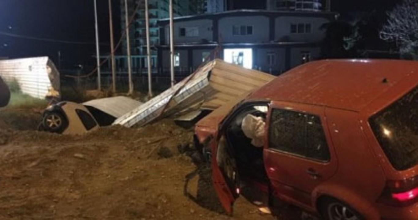 ФОТО: Тројца повредени во тешка сообраќајна несреќа во населба Аеродром
