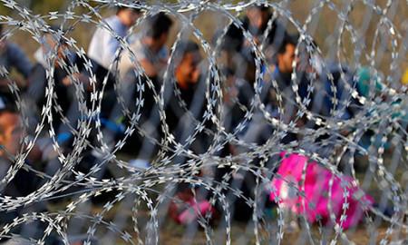 Повредени 15 полицајци, се уште тензично на грчко-македонската граница