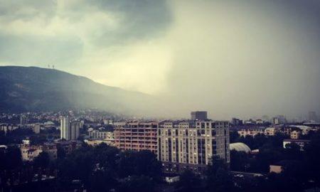 Невремето направи проблеми во сообраќајот во Скопје (ВИДЕО)