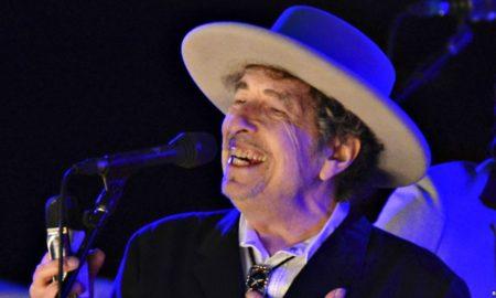 Боб Дилан добитник на Нобеловата награда за литература