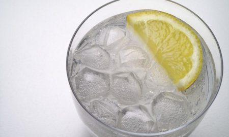 НА ЛЕТНИТЕ ЖЕШТИНИ: Пијте многу течности, но никако екстремно студени!