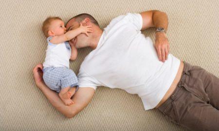 Европска комисија предлага четири месеци породилно отсуство за татковците