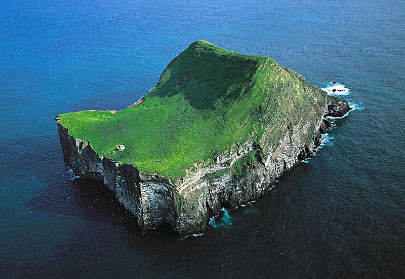 Исландски остров кој со децении зрачи со мистерија