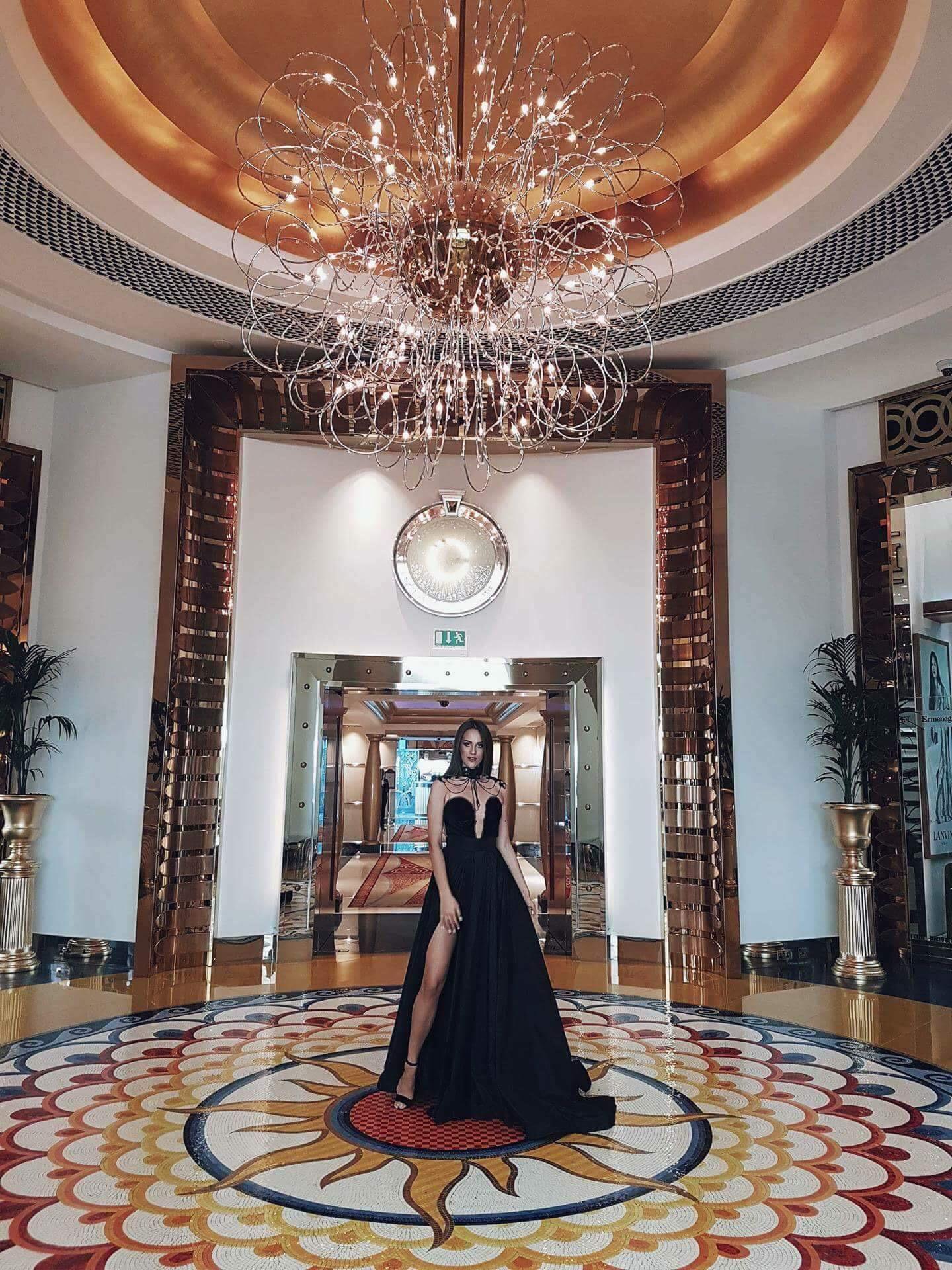 Христина Јанеска се врати со титула од Изборот на мис на светот во Кина (ФОТО)