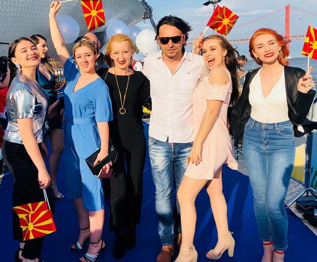 """Сѐ е подготвено за Евровизија - македонските претставници продефилираа на """"синиот"""" тепих (ФОТО)"""