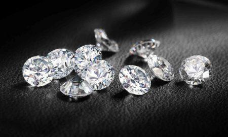 """""""Де Бирс"""" почнува продажба на вештачки дијаманти"""