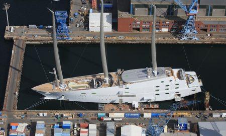 Најголемата јахта со едра на светот закотвена во Албанија